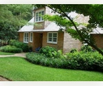 EAST HAMPTON 3 BEDROOM CARRIAGE HOUSE WITH POOL