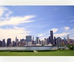 SPECTACULAR MANHATTAN EAST RIVER VIEWS! ONE MONTH FREE!! Long Island City