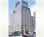 UES 1 bed in full service building near transportation