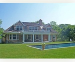 EAST HAMPTON  4 BEDROOM, 5 BATHROOMS CLOSE TO TOWN
